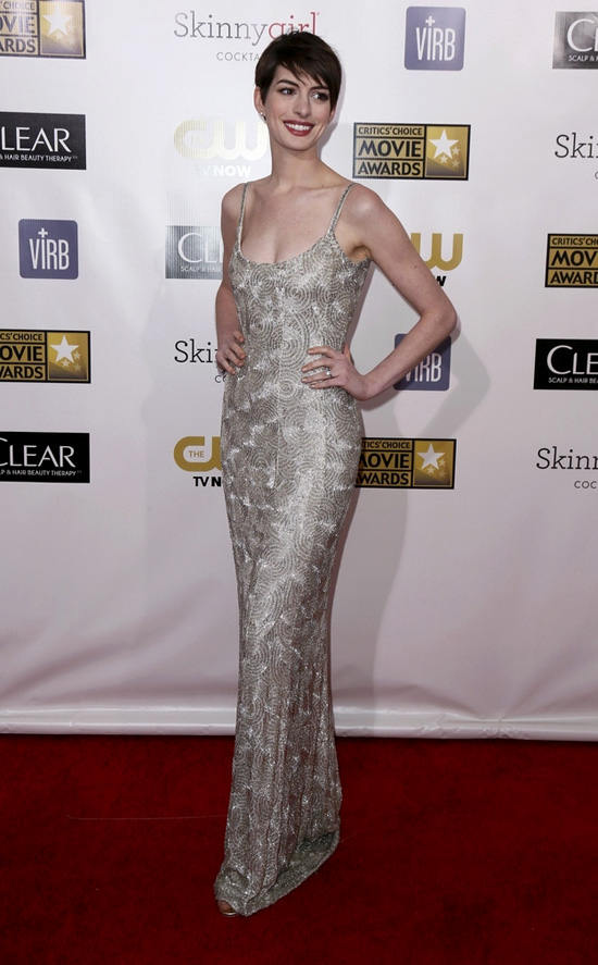anne-hathaway-critics-choice-awards