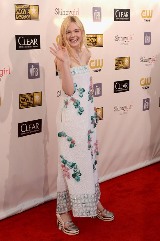 elle-fanning-critics-choice-awards