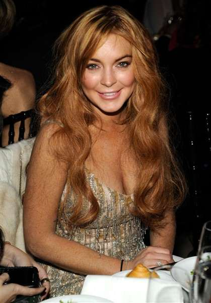 lindsay-lohan-attends-the-amfar-new-york-gala