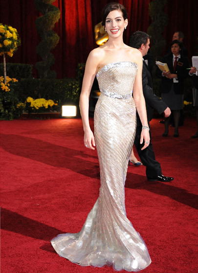 oscar-dress-anne-hathaway