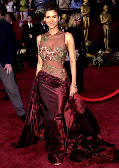 oscar-dress-halle-berry