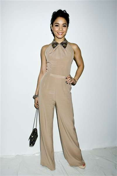 vanessa-hudgens-arrives-at-the-jenny-packham-show