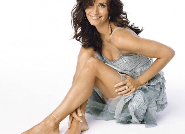 foot-fetish-courteney-cox