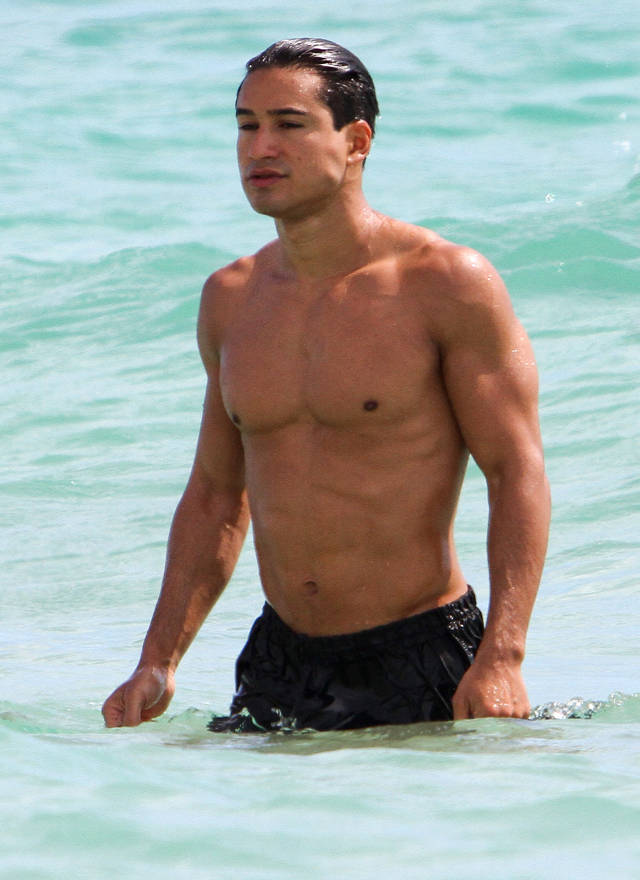 mario-lopez-shirtless
