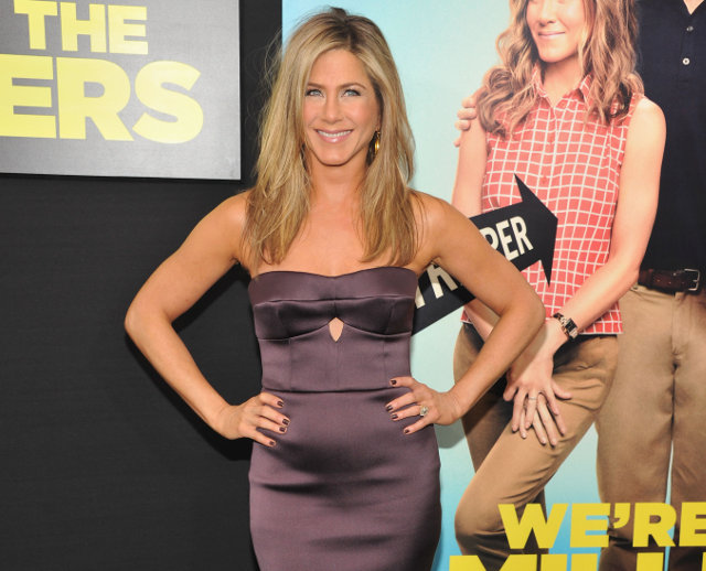Jennifer Aniston wearing Burberry to the premiere of We Are The Millers in New York 1st August 2013