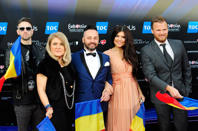 paula-seling-ovi-red-carpet-eurovision-1