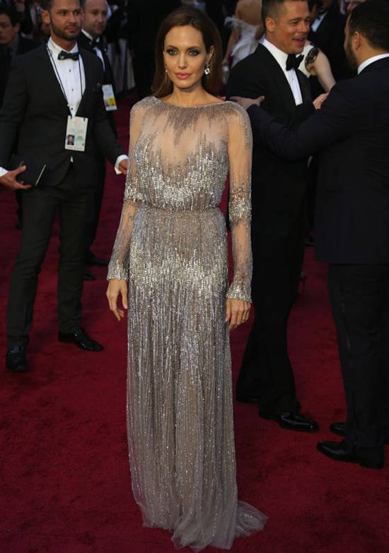 red-carpet-angelina-jolie1
