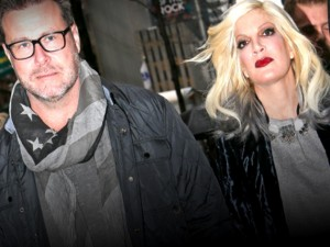tori-spelling-filled-out-divorce-papers
