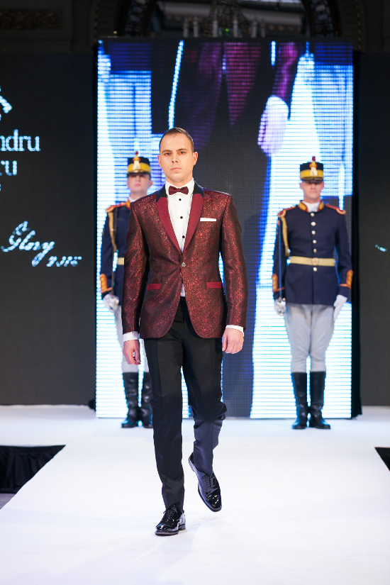 Prezentare-Alexandru-Ciucu-Tailored-Glory-2015-12