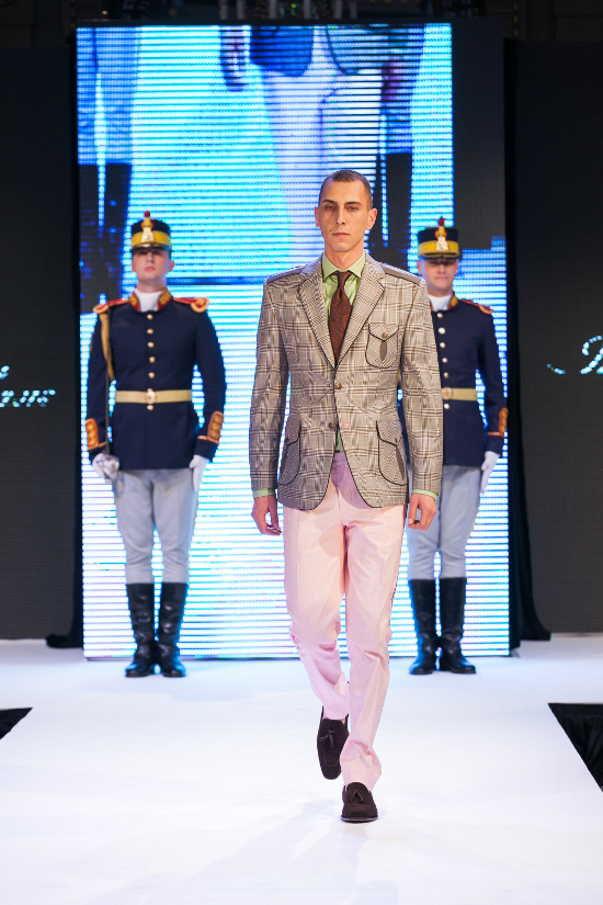 Prezentare-Alexandru-Ciucu-Tailored-Glory-2015-3
