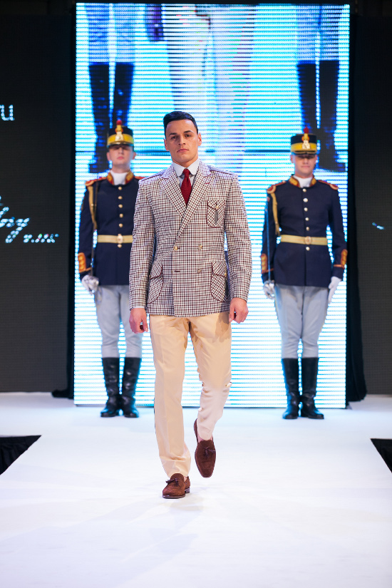 Prezentare-Alexandru-Ciucu-Tailored-Glory-2015-5