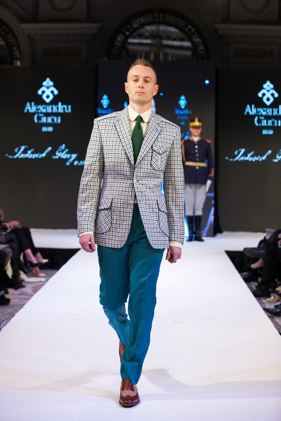 Prezentare-Alexandru-Ciucu-Tailored-Glory-2015-6