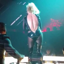 britney-spears-wardrobe-malfunction1