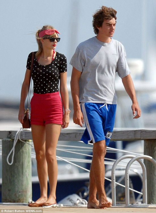 taylor-swift-conor-kennedy