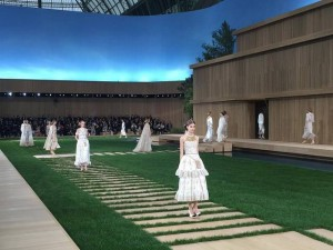 chanel-show-2016-1