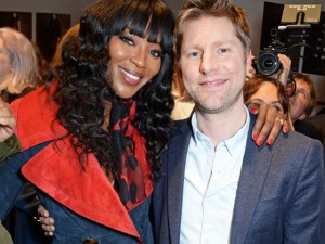 LONDON, ENGLAND - FEBRUARY 22:  Naomi Campbell (L) and Christopher Bailey pose backstage wearing Burberry at the Burberry Womenswear February 2016 Show at Kensington Gardens on February 22, 2016 in London, England.  (Photo by David M. Benett/Dave Benett / Getty Images for Burberry) *** Local Caption *** Naomi Campbell; Christopher Bailey