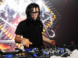 NEW YORK, NY - JUNE 20:  DJ Skrillex performs at the Samsung Galaxy S III Launch hosted by Ashley Greene at Skylight Studios on June 20, 2012 in New York City.  (Photo by Theo Wargo/Getty Images for Samsung)
