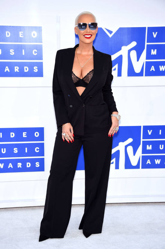 amber-rose--red-carpet-vma