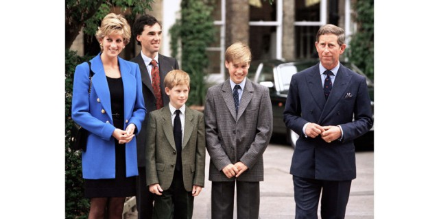 hbz-royal-family-1995-princess-diana-prince-charles-william-harry-gettyimages-157783792
