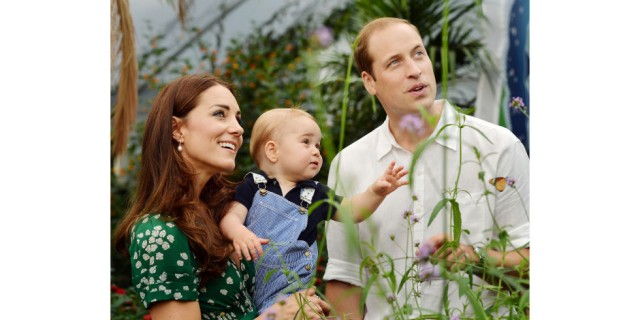 hbz-royal-family-2014-prince-george-duchess-of-cambrige-kate-middleton-prince-william-gettyimages-452491042