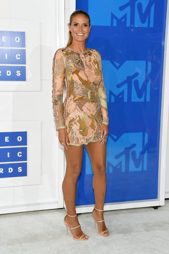 heidi-klum-red-carpet-vma