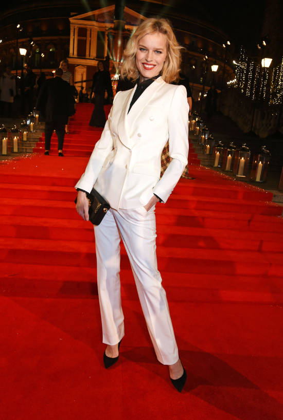 eva-herzigova-british-fashion-awards